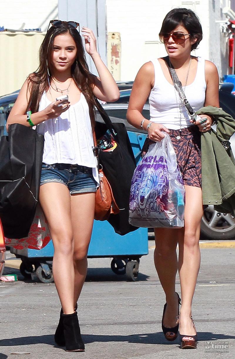 时尚姐妹电影_瓦妮莎姐妹逛街扫货 15岁斯黛拉热裤抢镜 - Mtime时光网