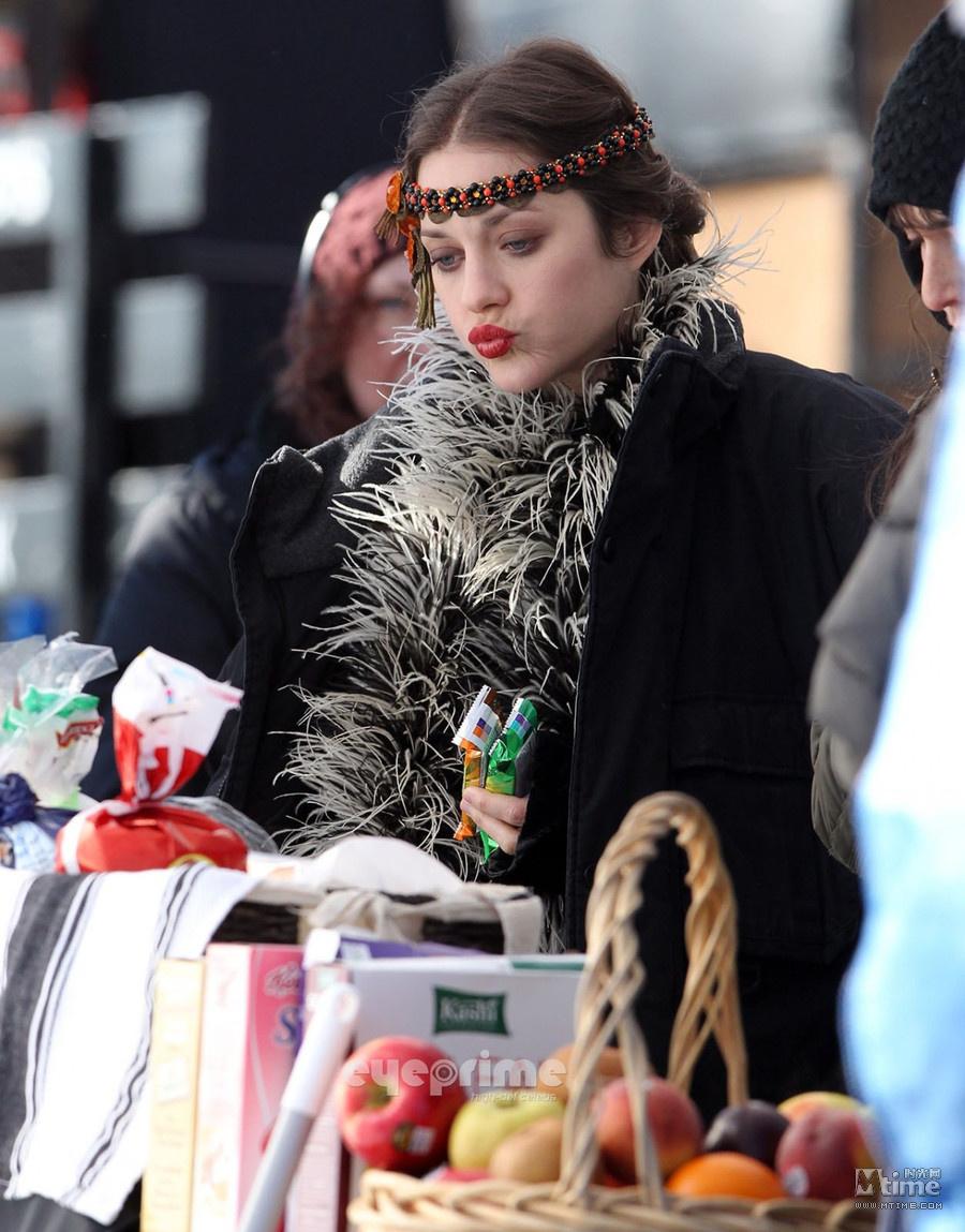 下流人生 纽约开拍 歌迪亚妓女造型美艳诱惑
