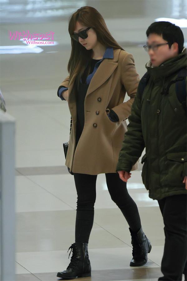韩国丝袜写真叫什么网站_少女时代称霸韩国福布斯榜 最新街拍丝袜美腿