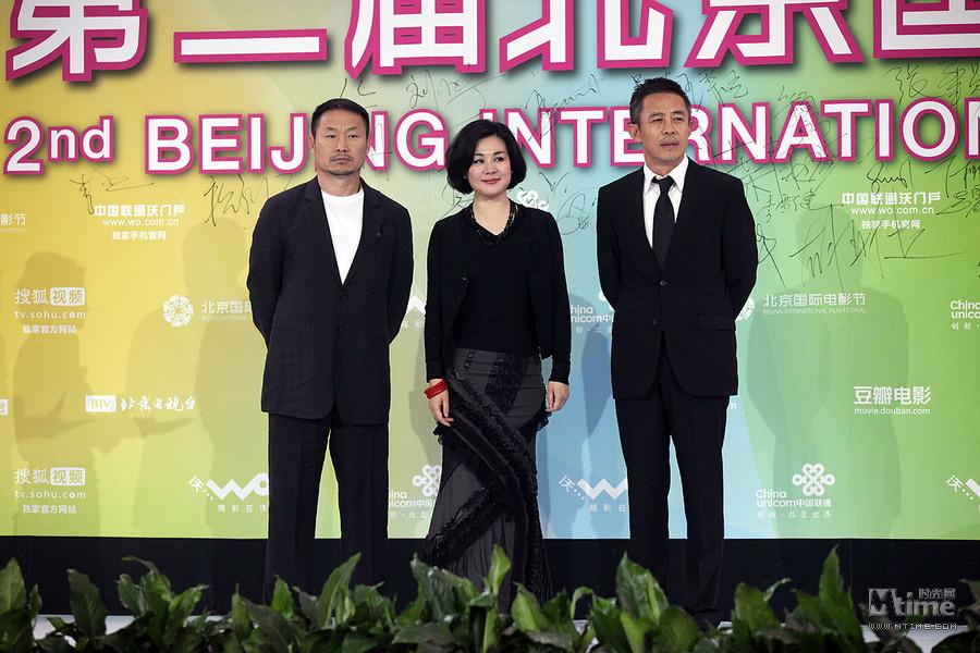 第2届北京电影节开幕 华语群星闪耀卡梅隆亮相