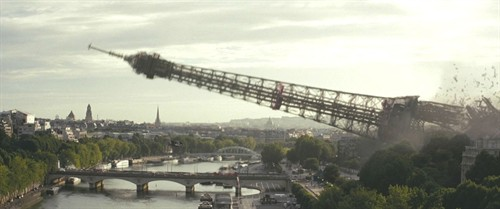 巴黎埃菲尔铁塔倒塌片段