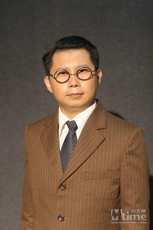 党 新照曝光 相声演员何云伟 李菁加盟
