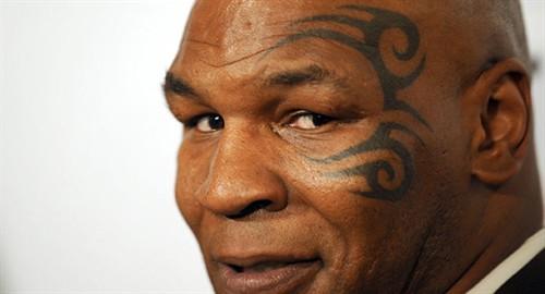 拳王泰森曾经的眼部纹身图片