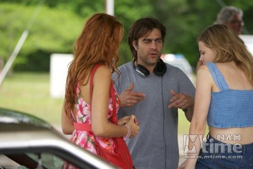 东欧乡下正妹-自   《海扁王》   和   《绯闻女孩》   片段中,科洛向布蕾克求助,说明图片