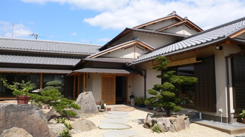 修了三年,請日本著名建筑設計師隈研吾做的設計.