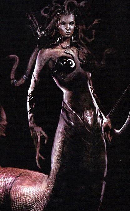 沃佳诺娃, 诸神之战 中的蛇妖美人图片