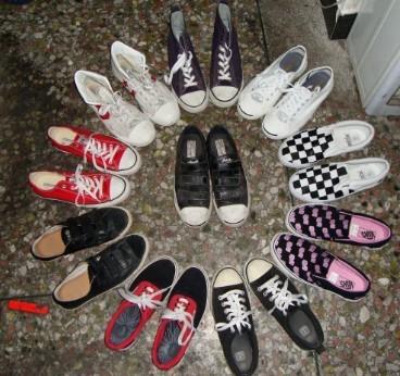 秀鞋子 外加diy 黑白格图片