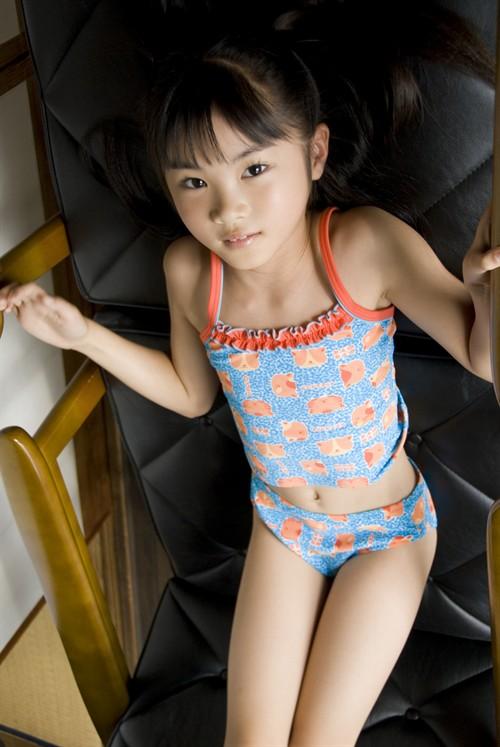 日本最年幼的写真模特三浦璃那:你说萌不萌?