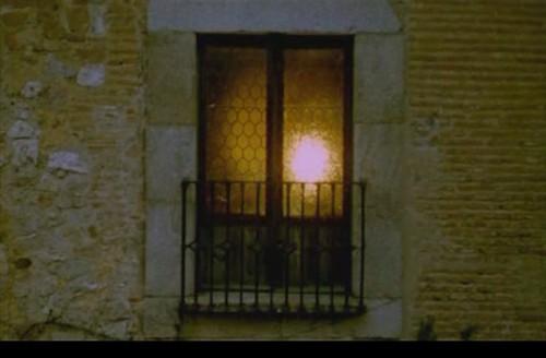 《蜂巢的幽灵》:极权的魅影 - 人★黑 - 黑★人陪你看电影……