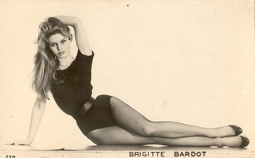 性感小性感--碧姬巴铎BrigitteBardot4补丁沙滩姿势野猫图片