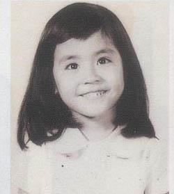 中国明星童年照,猜猜她们都是谁图片