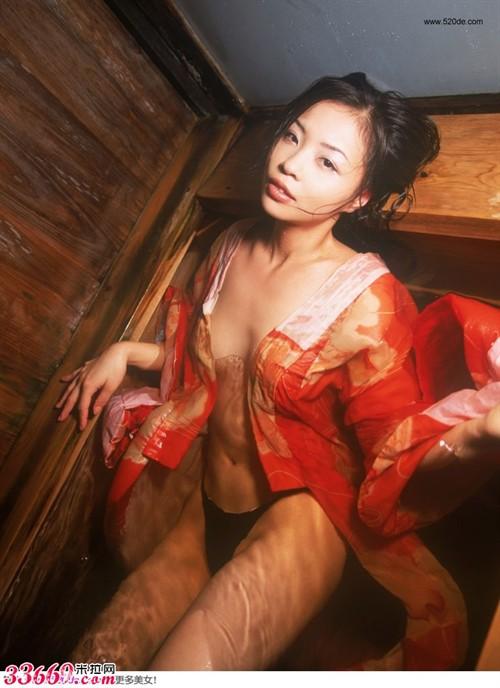 日本女优惊艳和服写真