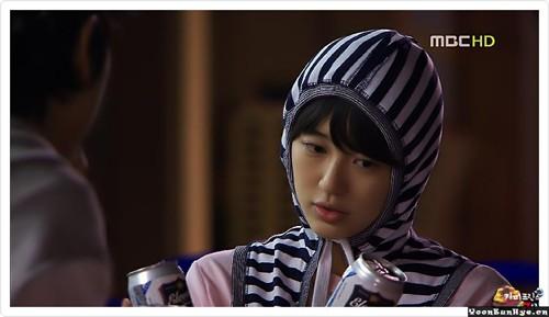 i 尹恩惠在 咖啡王子1号店 中 , 戴帽子的样子