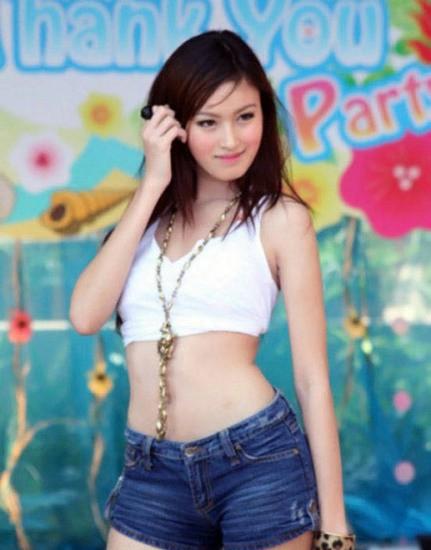围观泰国变性人皇后poy