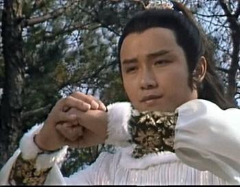 初次看见苗侨伟还是那部经典的83版《射雕英雄传》,那个英俊不凡,亦