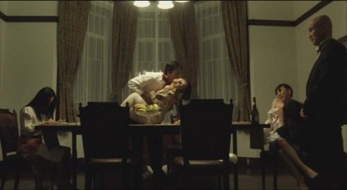 做爱影片_电影的结局以静子老公吃春药和静子做爱而结束,静子老公有心脏病,但他