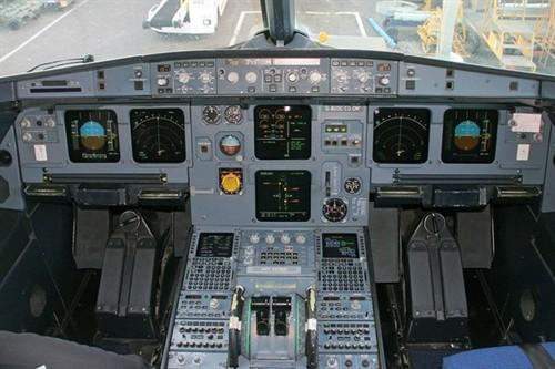 空中客车a320-200 驾驶舱
