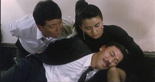 丝袜男同电影_众人脱困,冯淬帆躺在胡慧中身上,装作晕倒不起身,也是电影结局