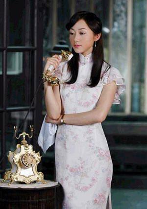 刘亦菲旗袍发型步骤