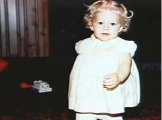 艾薇儿珍贵童年旧照高清图片