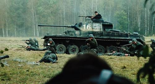 《反抗军》里的德军三号电影英语的坦克介绍图片