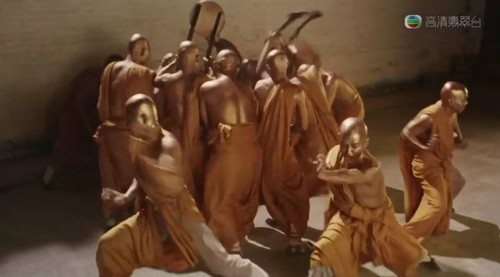 十八铜人_杀人凶器也可以非主流; 《食神》; 每每看少林寺十八铜人前面弄两人