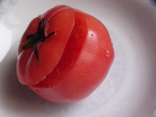 简单易学,西红柿成装盘的玫瑰花,很美