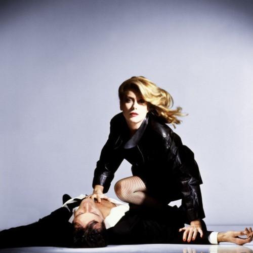 《凯瑟琳:德纳芙:玫瑰战争》 - 九尾黑猫 - 九尾黑猫