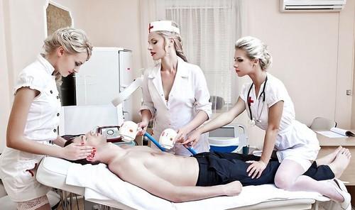 史上最性感的美女护士医疗队