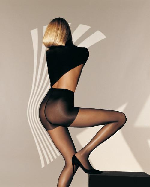 最性感的美女图_泰国车展 最性感美女车模抓人眼球 高清组图
