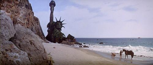 《人猿星球》:大师级的轮回式结局《人猿星球》:大师级的轮...