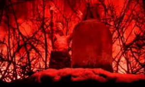 全身犹如地狱火焰一般赤红色