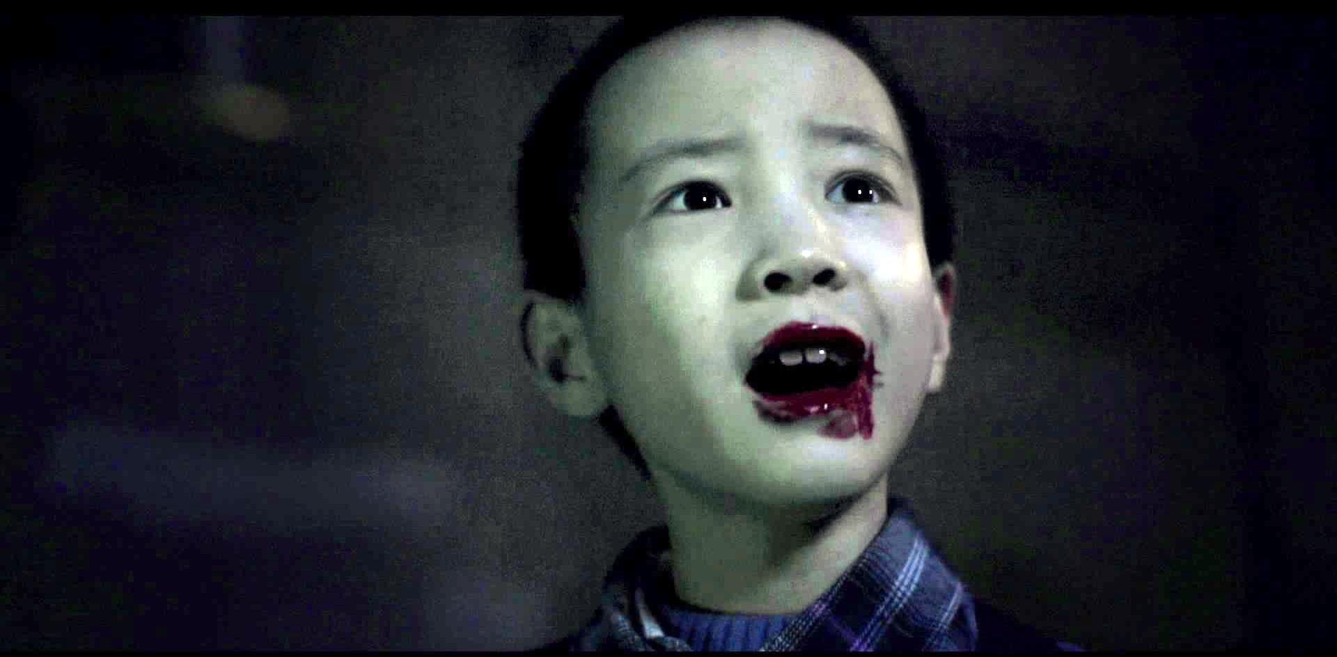 这个男人原来也是个吸血鬼