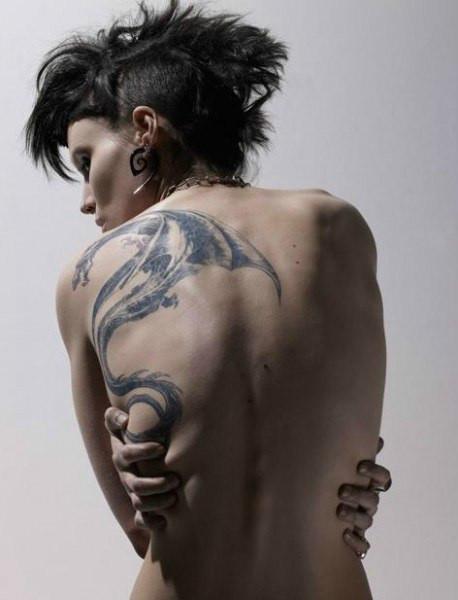 简约可爱人物纹身