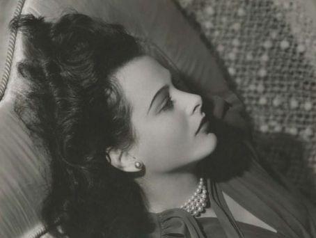 来自相册: 海蒂拉玛2010-01-18 09:; hedy pearls; 专辑:好莱坞红唇