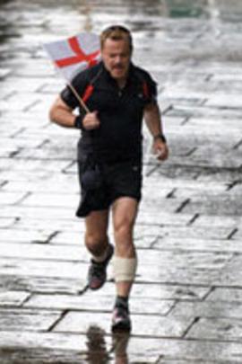 埃迪伊扎德:马拉松铁人