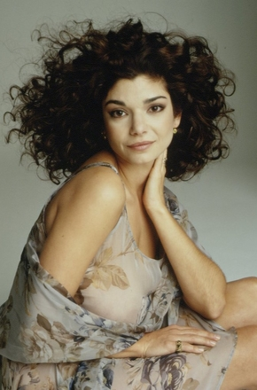 劳拉·桑·吉亚科莫/Laura San Giacomo