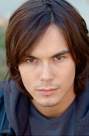 泰勒·布莱克本/Tyler Blackburn