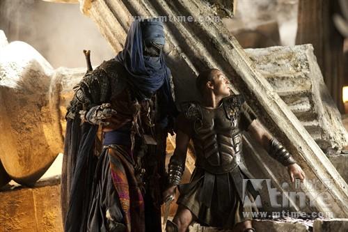 《诸神之战》猛兽荟萃 超模出演人蛇美杜莎