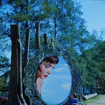 写真 #06:卡罗琳·琼斯 Carolyn Jones