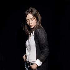 写真 #202:艾曼纽·贝阿 Emmanuelle Béart