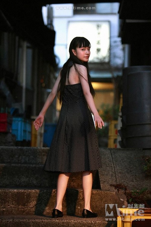 图片标题:小岛藤子写真