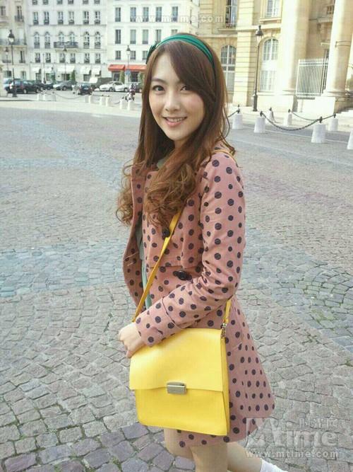姜智英生活照图片下载分享; 「0928°图图」kara 服饰 背包赞助照 4p