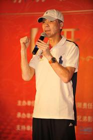 """著名导演冯小刚为影片及影院""""加油"""""""